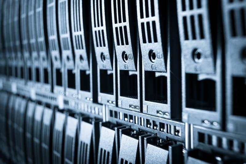 Wir planen und realisieren auf Ihre speziellen Anforderungen zugeschnittene Speicher- und Storage- Lösungen und unterstützen Sie bei der Umsetzung in Ihrem Unternehmen vor Ort oder stellen Ihnen alternativ Speicher in unserem Rechenzentrum im Rahmen von SCI Managed Service zur Verfügung